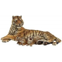 Nursing Tigress with cubs (2 figures)
