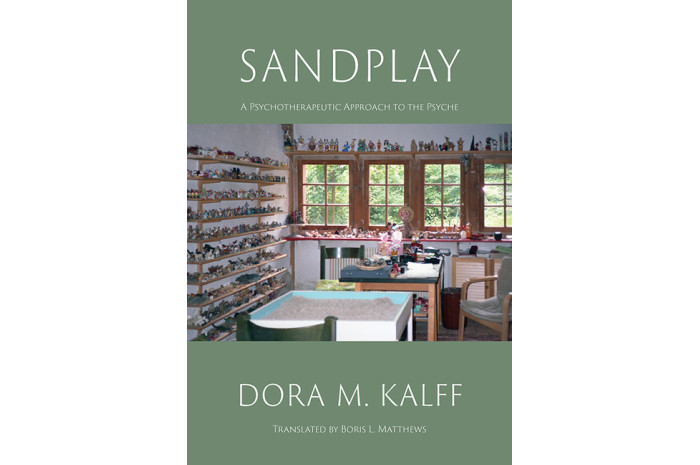Sandplay: A Psychotherapeutic Approach to the Psyche (Color Edition)