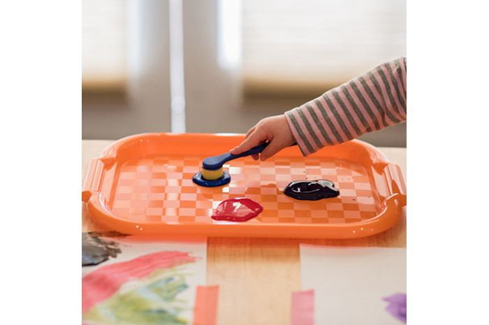 Colorful Plastic Art Trays, 6-Pack